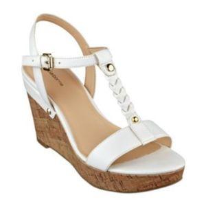 Liz Claiborne white konnie wedge sandals